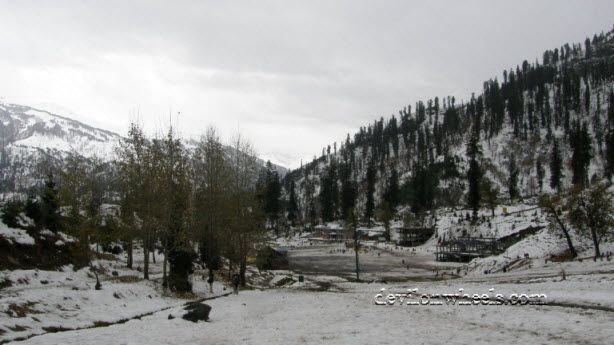 Solang Valley, a place to enjoy Snowfall near Delhi