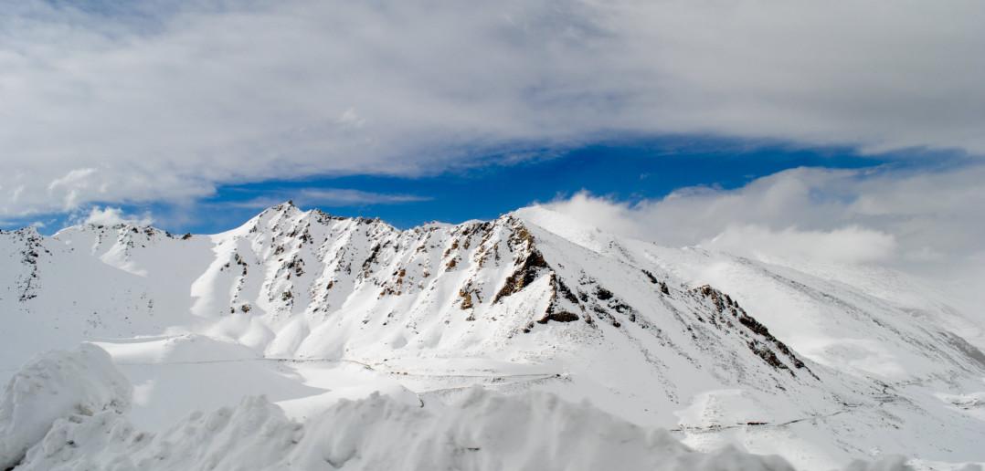 Khardung La Pass – Where Snow Galore | Ladakh – 2012