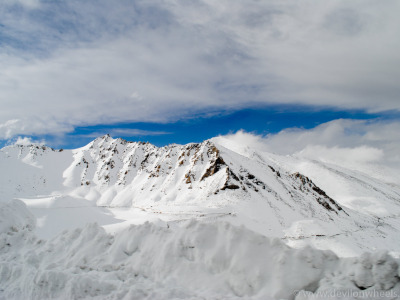 Khardung La Pass – Where Snow Galore | Ladakh – 2012