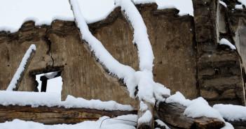 Fresh Snowfall in and around Manali | Winter 2011-12