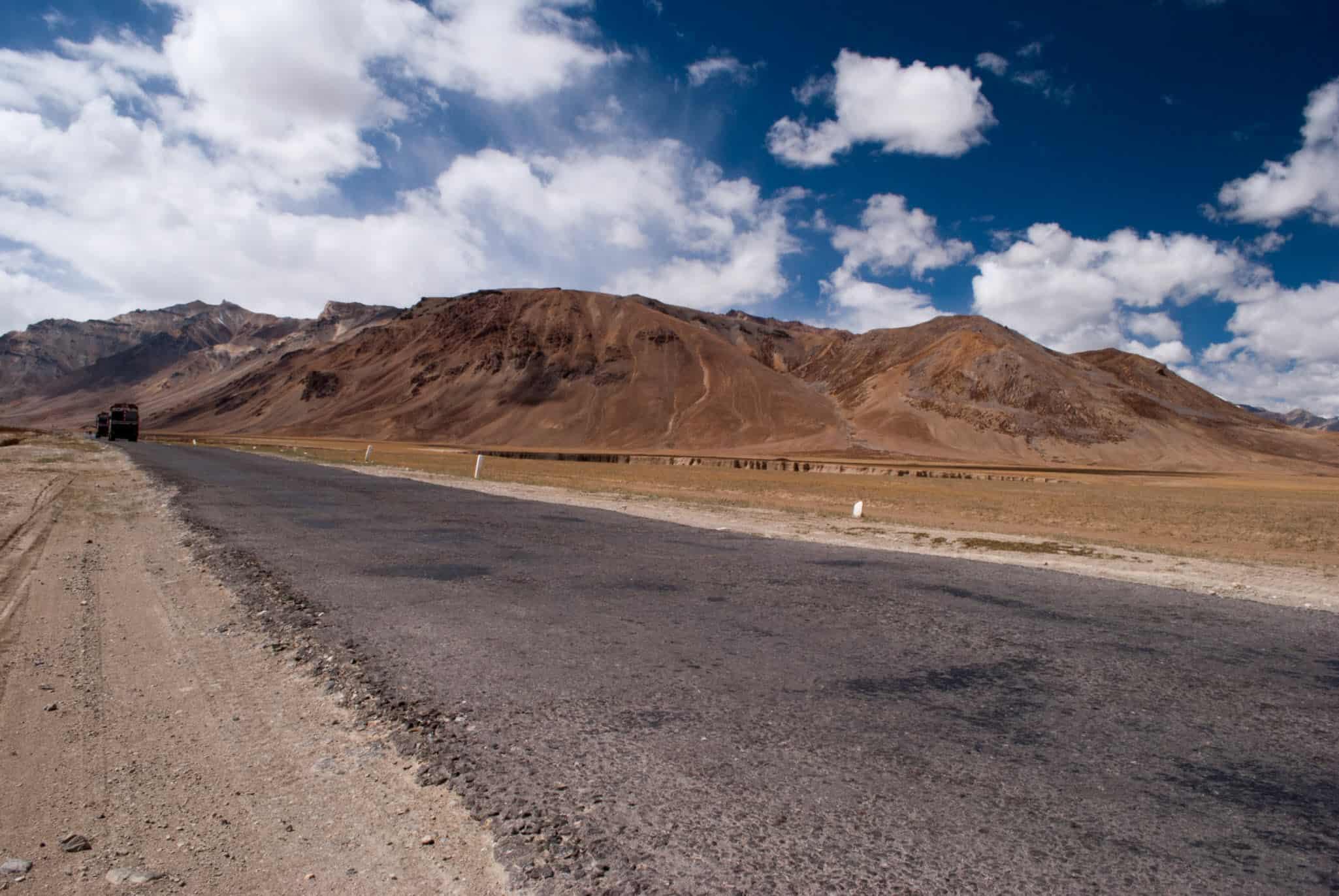 5 Reasons To Choose Srinagar Leh Road Over Manali Leh Road