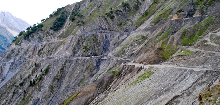 Srinagar – Leh Highway to be Opened by 25 April 2012