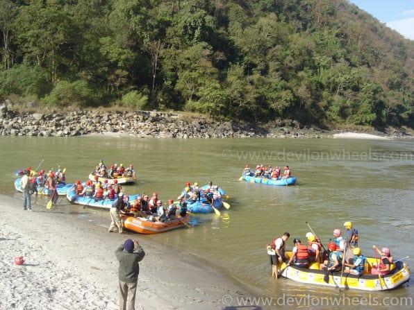 4 Ways of Adventure Bathing in Rishikesh – 2