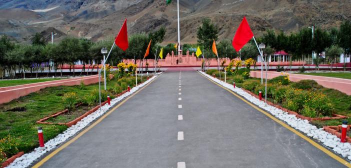 Greenscapes on Srinagar Kargil Highway   Zanskar 2012