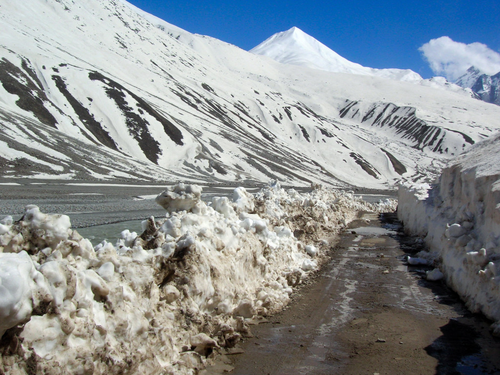 Road to Spiti Valley from Manali - Buried Under Snow