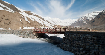 Losar – Kunzum Pass Snow Point | Spiti Valley Trip Photo Tale