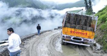 Ladakh Journey   Rohtang Pass Dreadful Drive