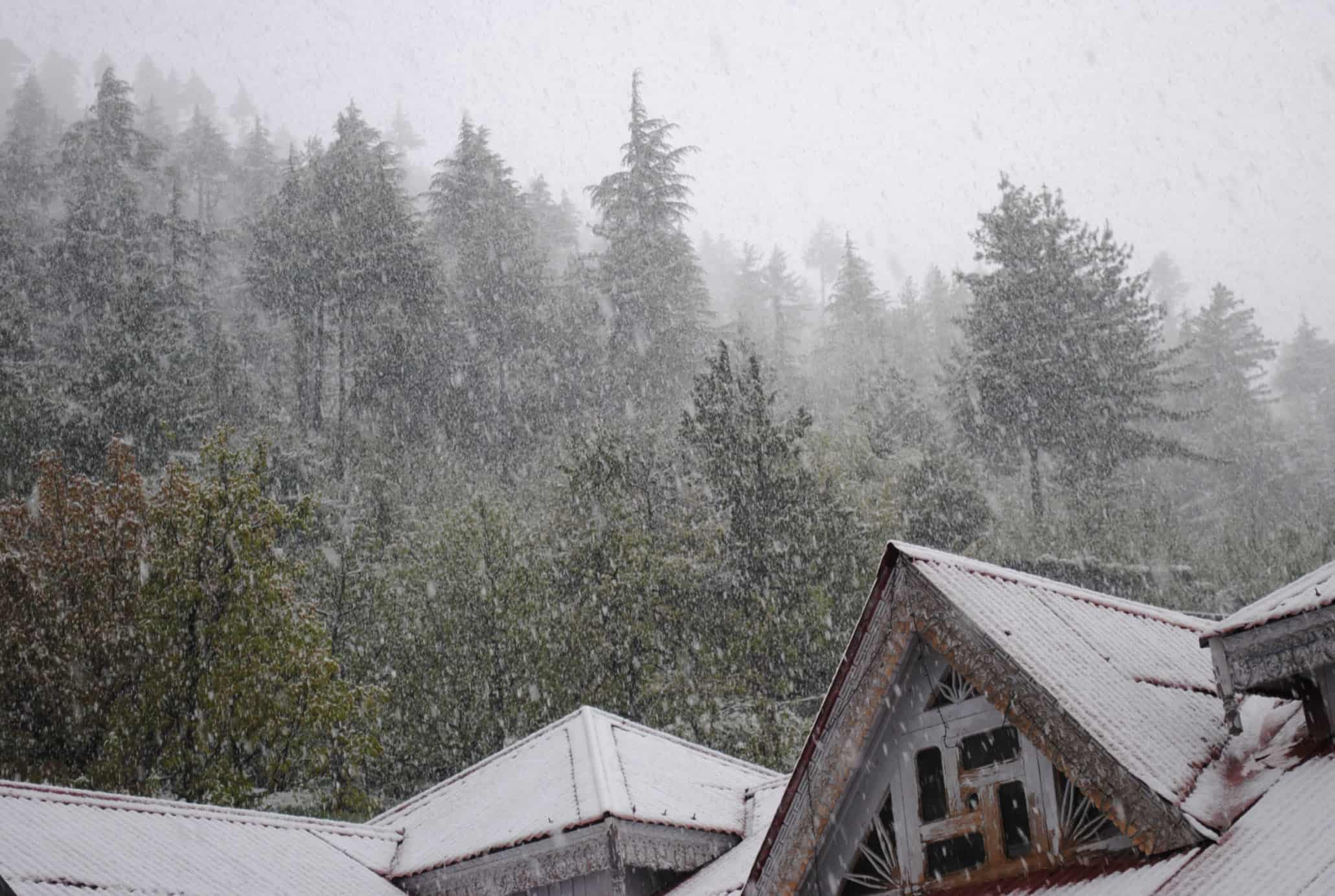 Rohtang Pass closed due to snow for 2014 - 2015