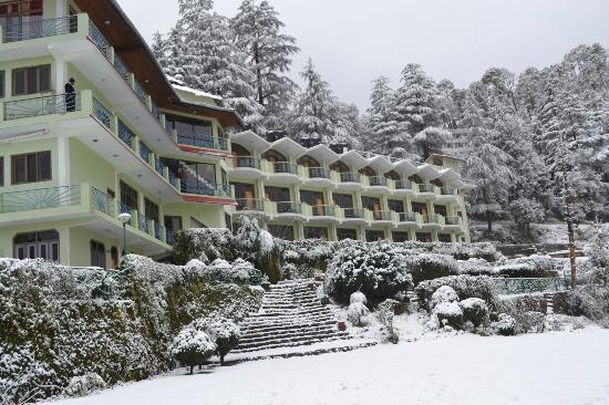 Kausani, a place to enjoy Snowfall in Uttarakhand