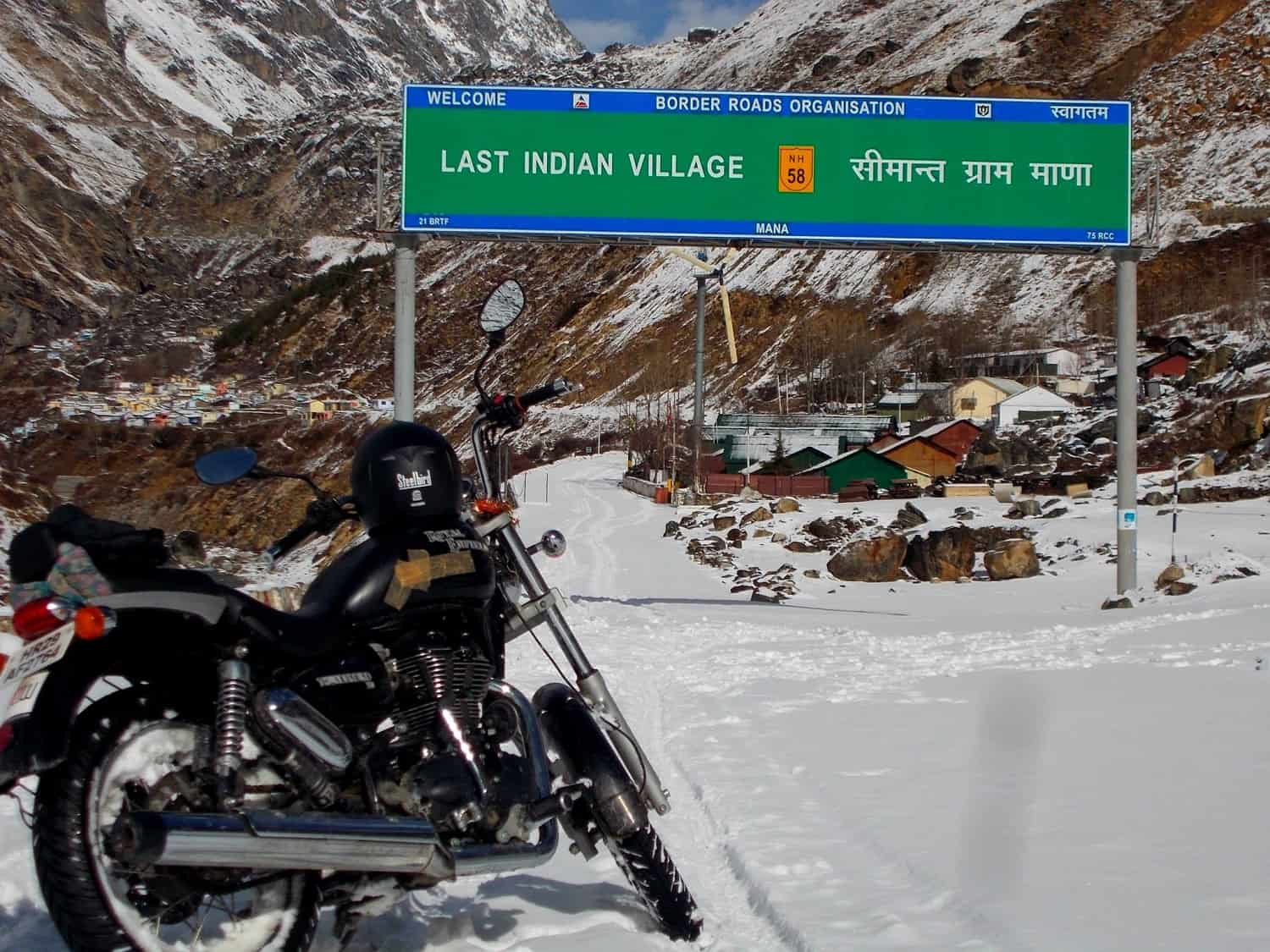 Road to Mana Pass or Dungri La - Top 13 Highest Motorable Passes or Roads in the world