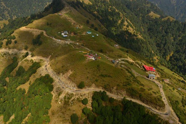 Bir - Billing, an aerial view...