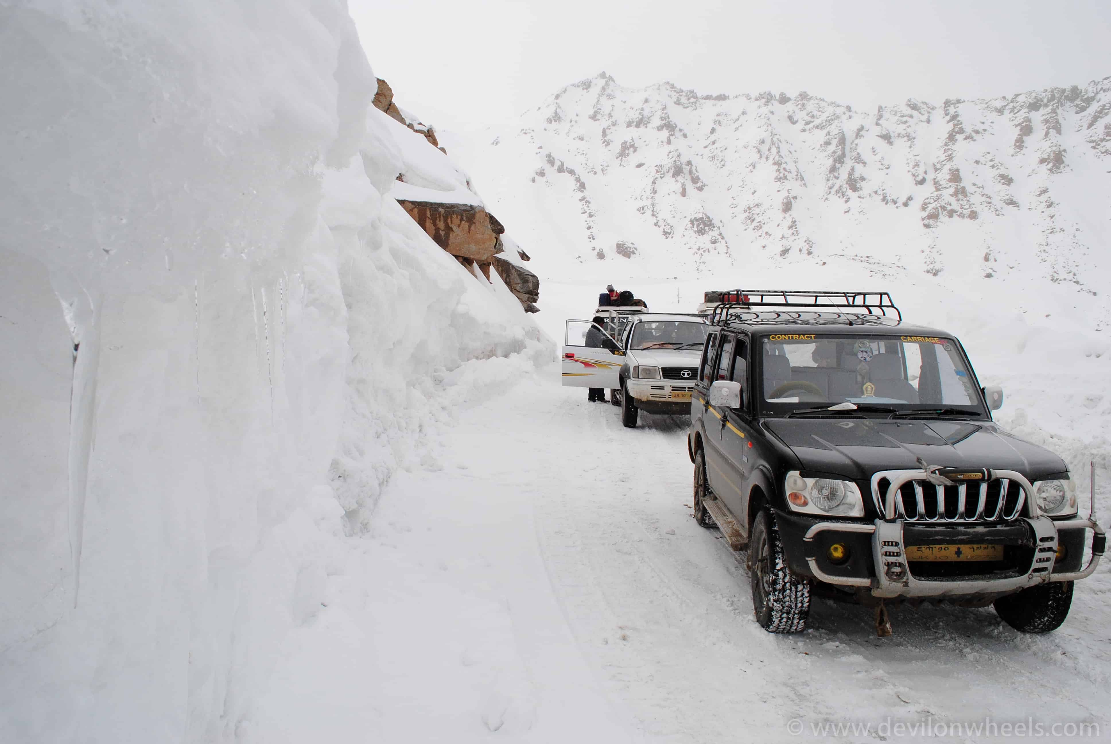 Taxis plying in winters in Ladakh