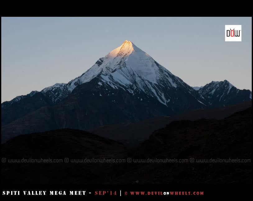 Sunrise at Chandratal on a Spiti Valley Trip
