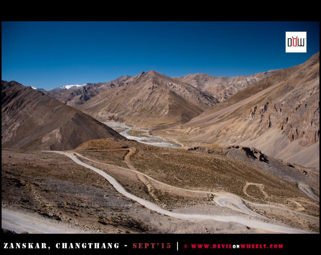 Enjoy the endless beauty of Manali - Leh Highway