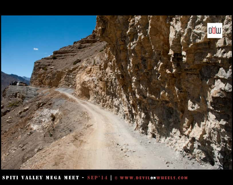 The narrow roads between Kaza - Hikkim