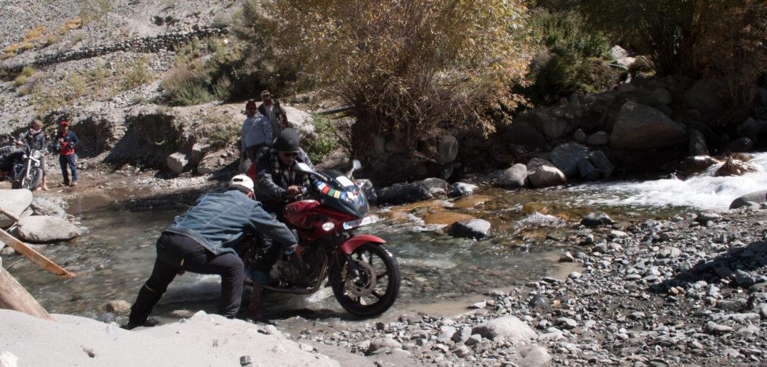 Can I make Ladakh trip on 100cc Bike or a Scooty?