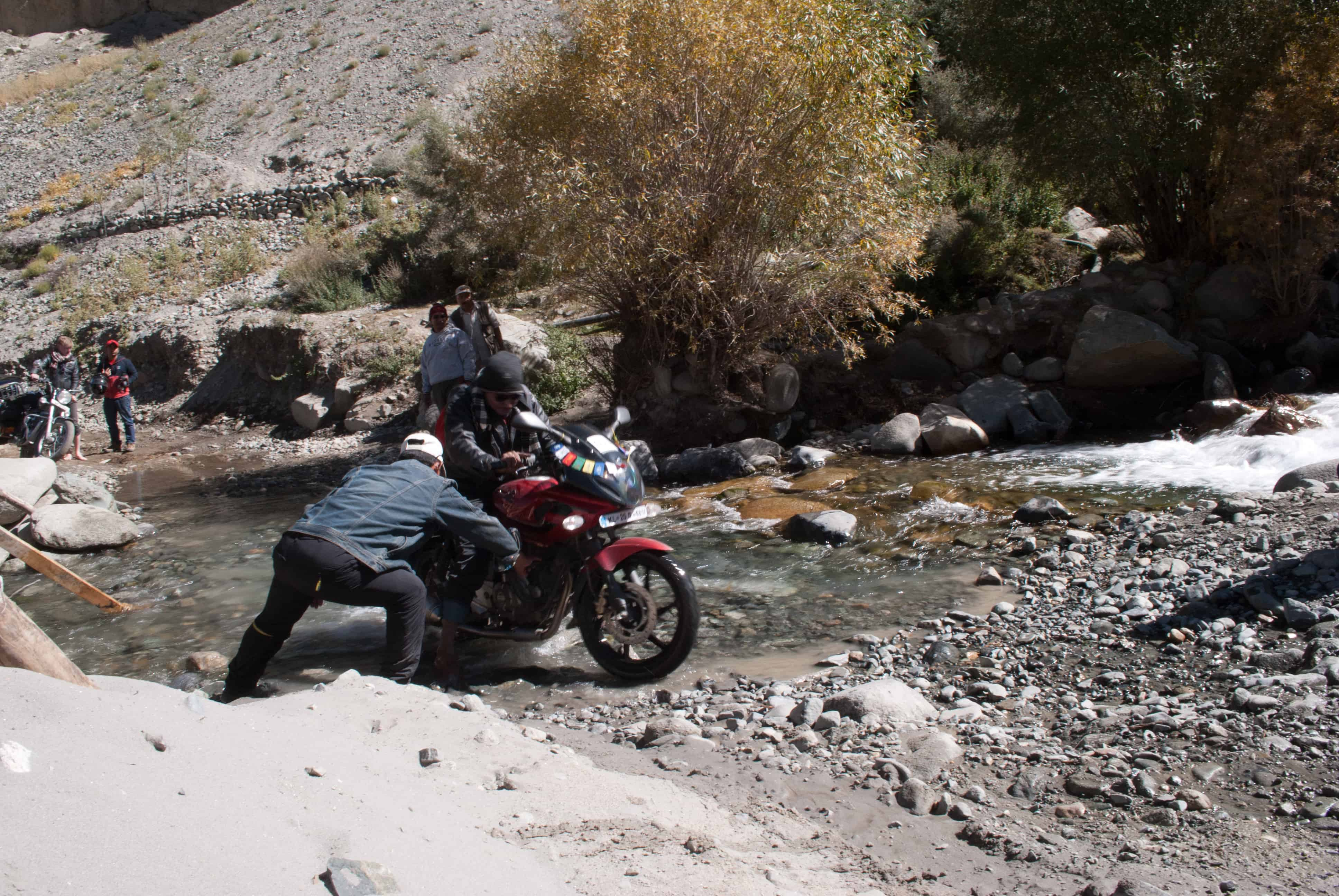 How to make Ladakh trip on 100cc Bike or a Scooty? – Devil
