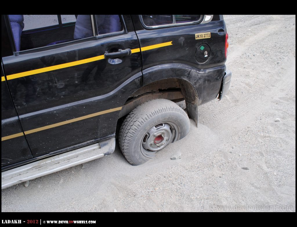 Stuck in the mud in the middle of nowhere in Ladakh