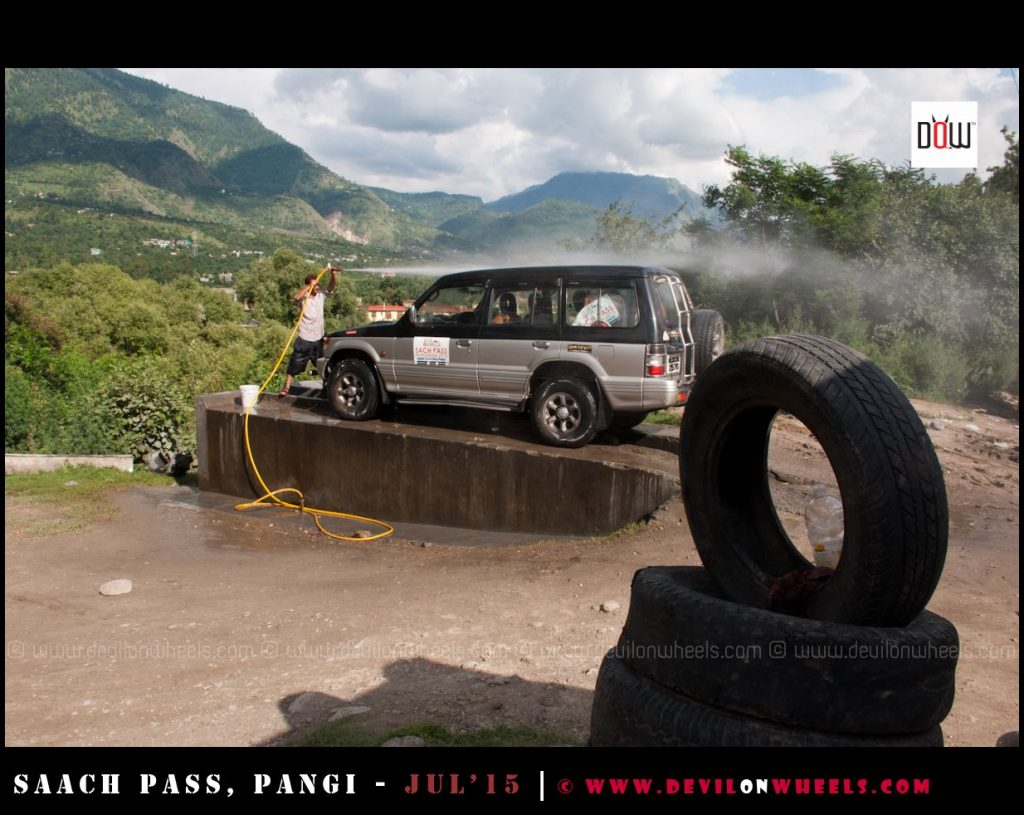 Keep your car clean on a road trip to the Himalayas