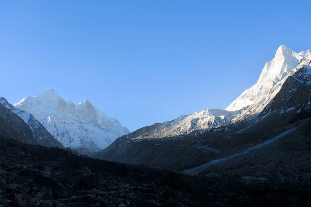 Bagirathi group of peaks (left) with Shivaling (right)