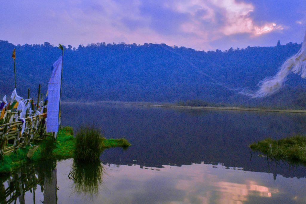 Khecheopari Lake