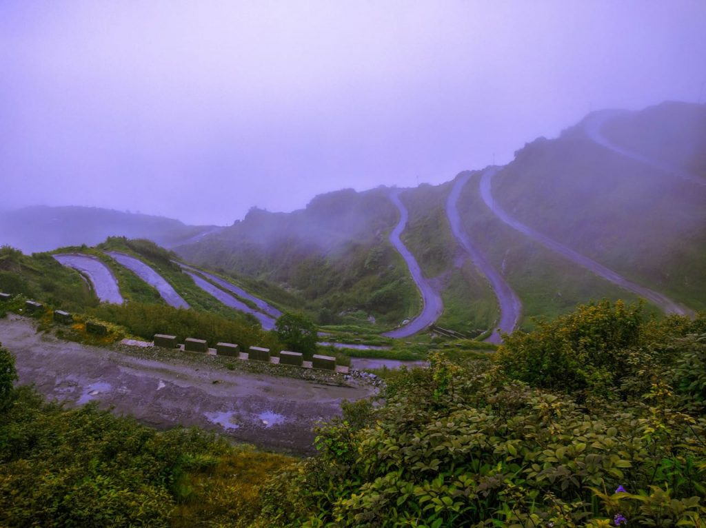 Zuluk Loops on the Silk Route