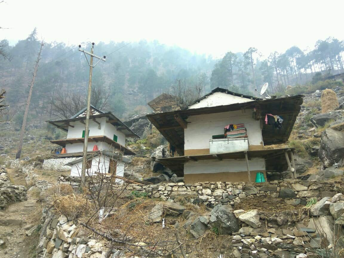 Wood and stone houses at Jibhi