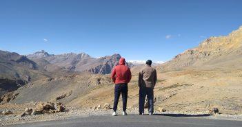 Calmness, and friendship at Manali Leh Highway
