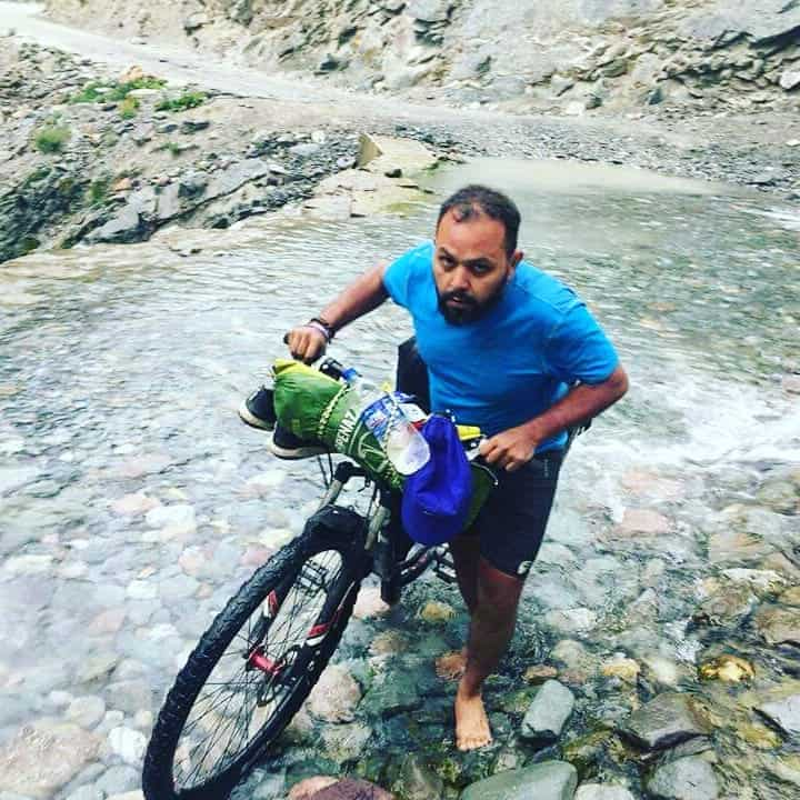 Cycling through water crossings on Manali Leh Highway