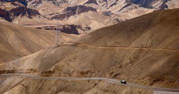 The mighty curvy roads to Leh Ladakh
