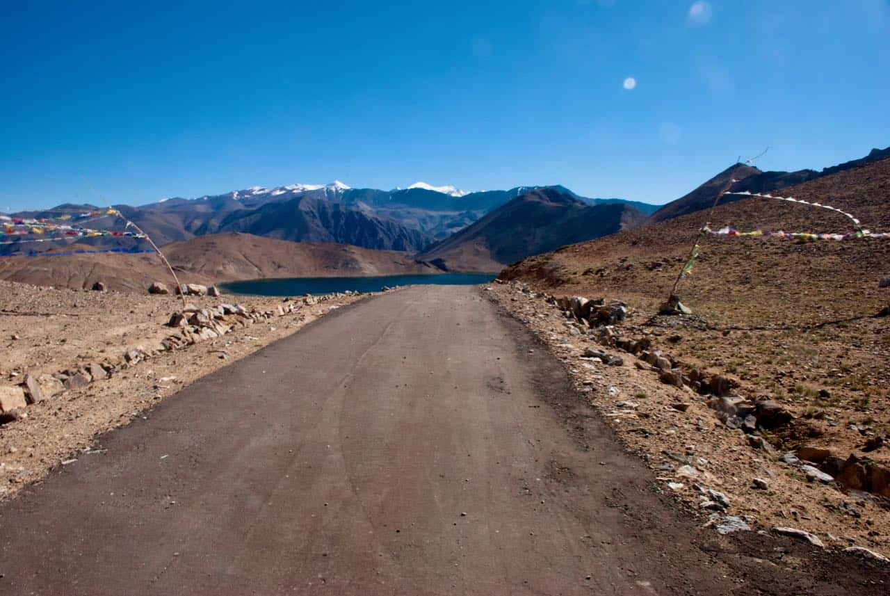 The road to Yaye Tso Lake
