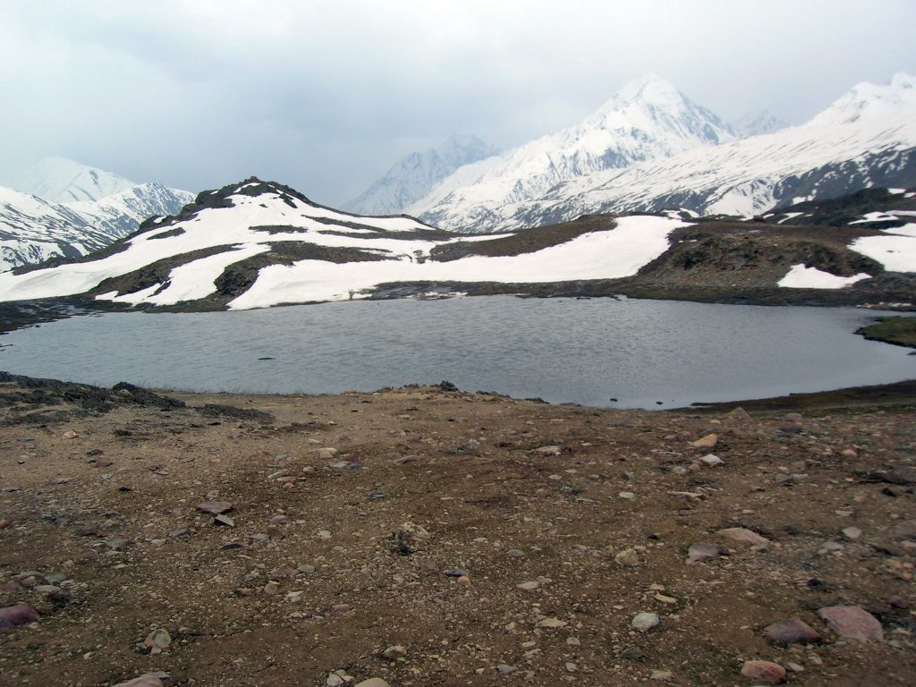 A Lake on the way to Chandratal Lake