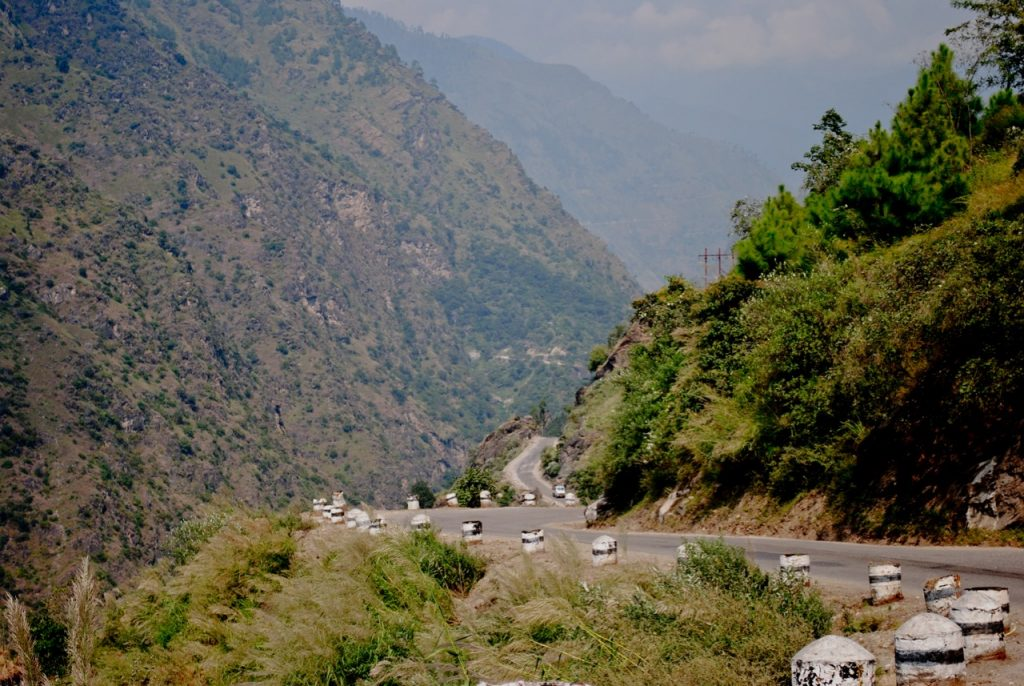 Roads on the way to Sarahan from Shimla