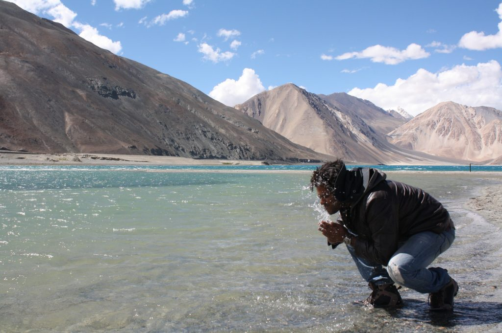 Care a Bath in Pangong