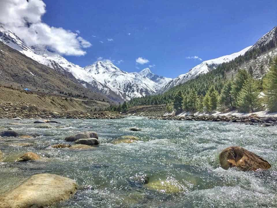 Beautiful river side views between Rakcham and Chitkul