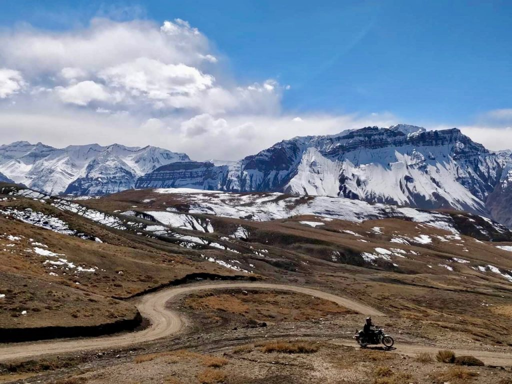 The road from Kaza to Hikkim