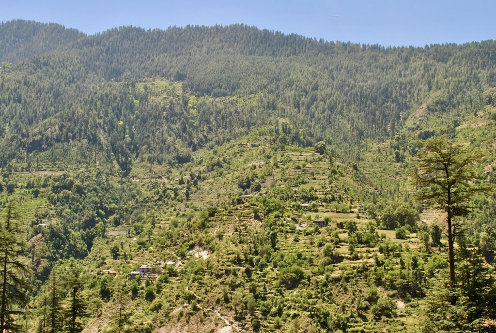 The villages and views in Sainj - Tirthan region