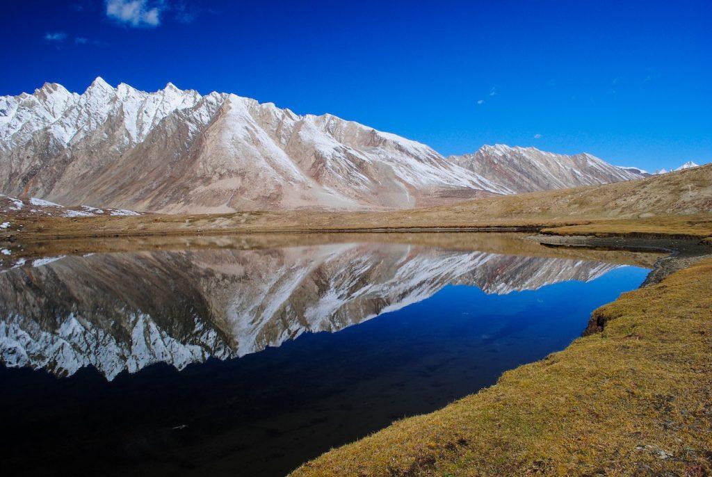 Twin lakes of Penzi La Pass when traveling to Zanskar Valley from Leh