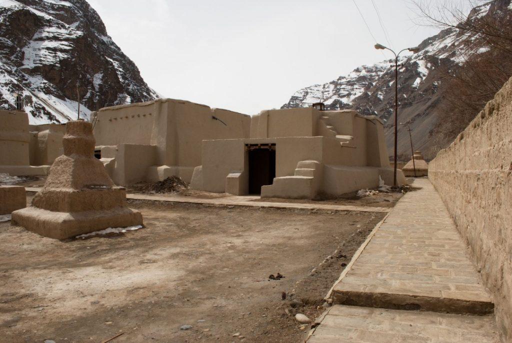 Mud stupas