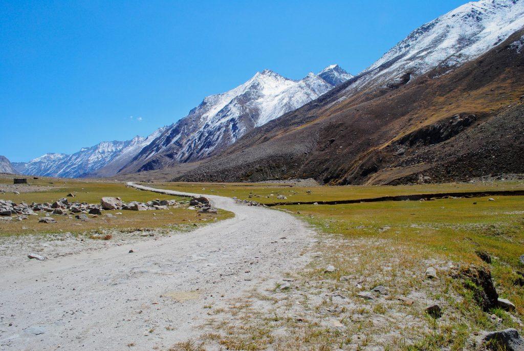 Idyllic roads of Suru Valley, must visit places