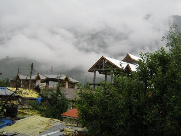 View of strrets in Old Manali