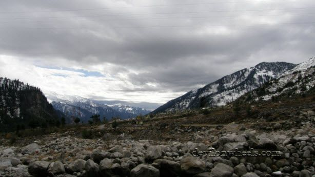 View of Solang Valley while going from Manali