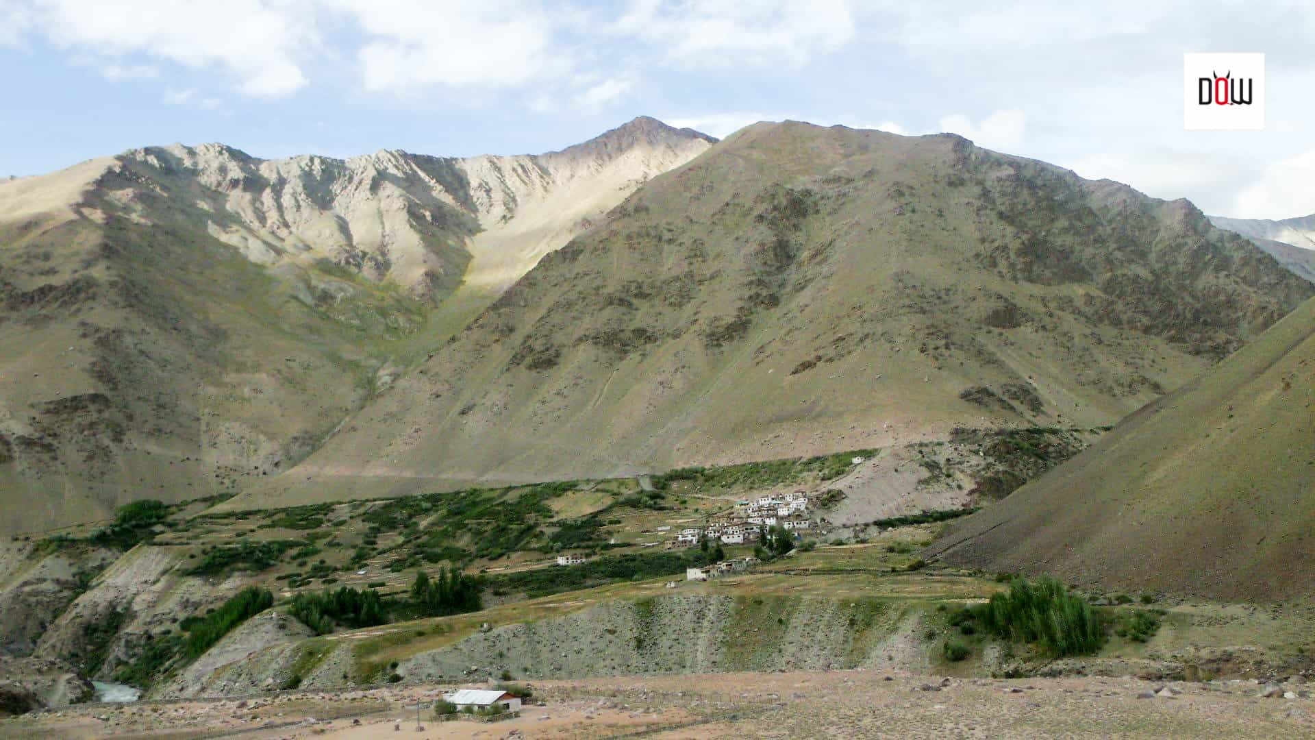 Villages on the trek to Phugtal Monastery