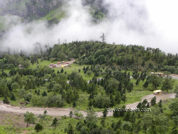 Views on the way towards Rohtang Pass from Manali