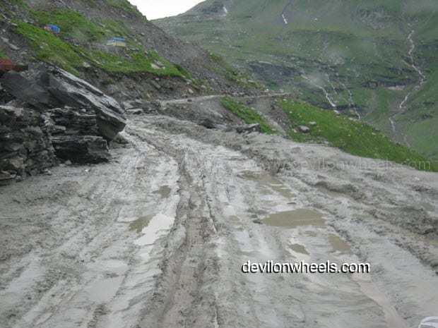 Bad Road on the way towards Rohtang Pass from Manali