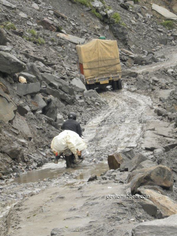Landslide near Rani Nalla on the way towards Rohtang Pass from Manali