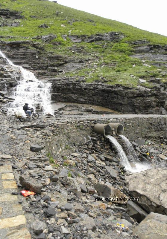 Rani Nalla on the way towards Rohtang Pass from Manali