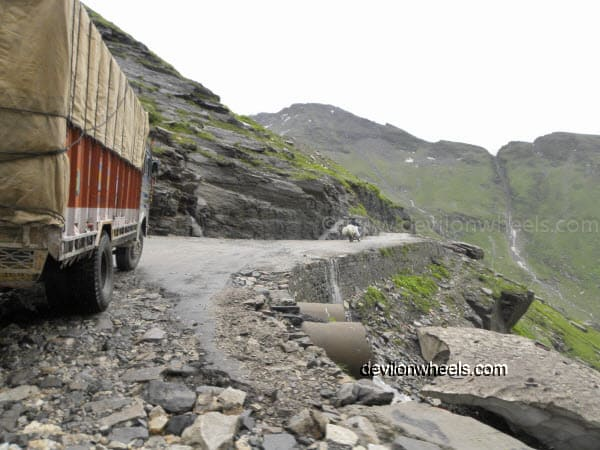 Rani Nalla on the way towards Rohtang Pass from Manali