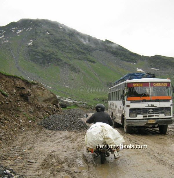 Views while going from Manali to Rohtang Pass