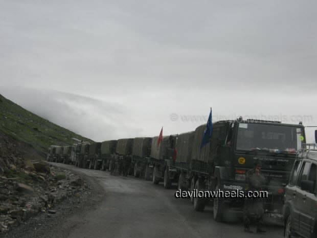 Army Convoy waiting at Rohtang Pass